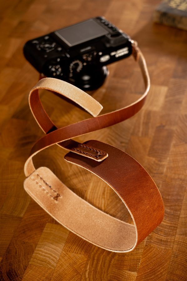 Vegetable tanned leather camera strap